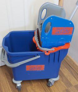 Mop Bucket Kentucky Handle & Mop Selco